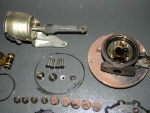 Cuerpo central, válvula del turbo y componentes internos en detalle.