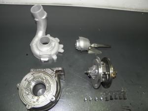 Detalle de la caracola de admisión y válvula del turbo montada.
